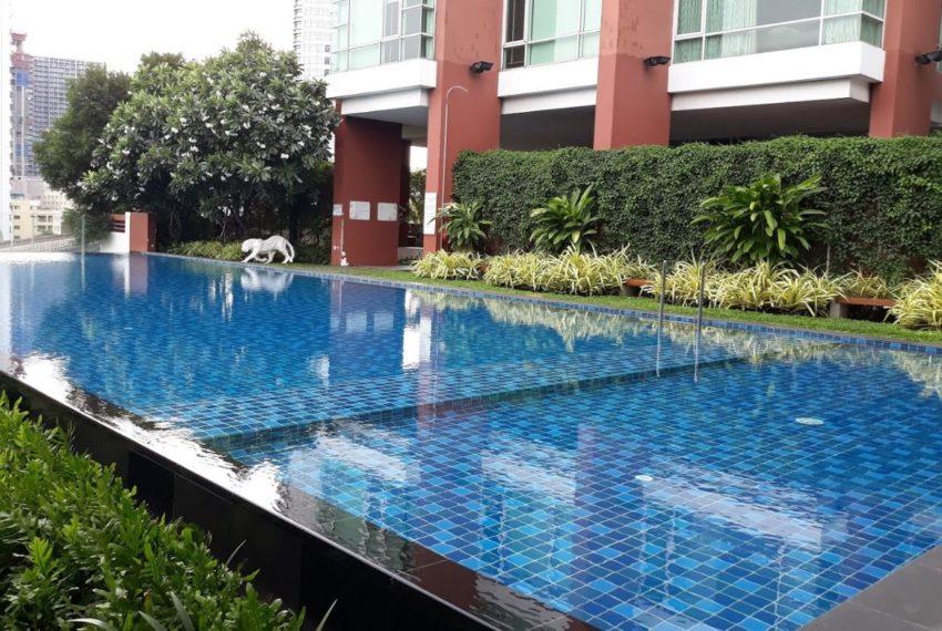 Fullerton condominium - swimming