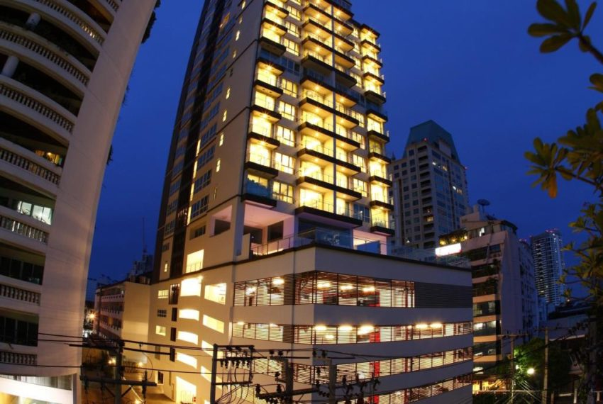 GM Tower Sukhumvit 20 - night