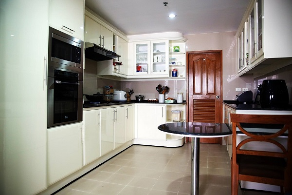 GM tower 3bedrooms rent - kitchen