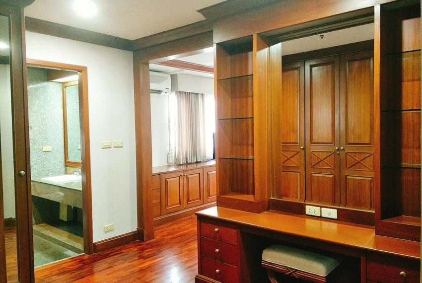GP Tower Asoke - 3bedroom large rent - closets