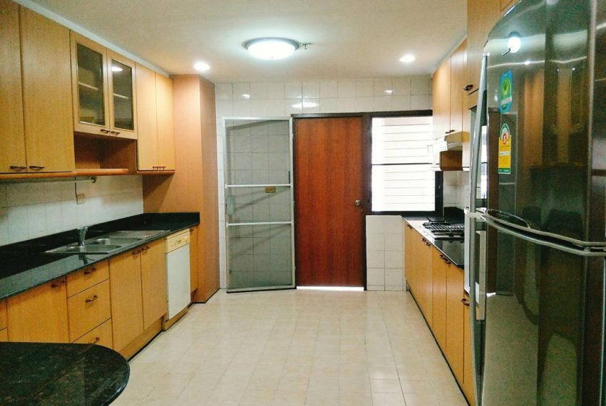 GP Tower Asoke - 3bedroom large rent - maid room