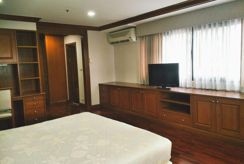 GP Tower Asoke - 3bedroom large rent - master bedroom