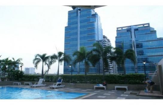 Grand Park View Asoke swimming pool2