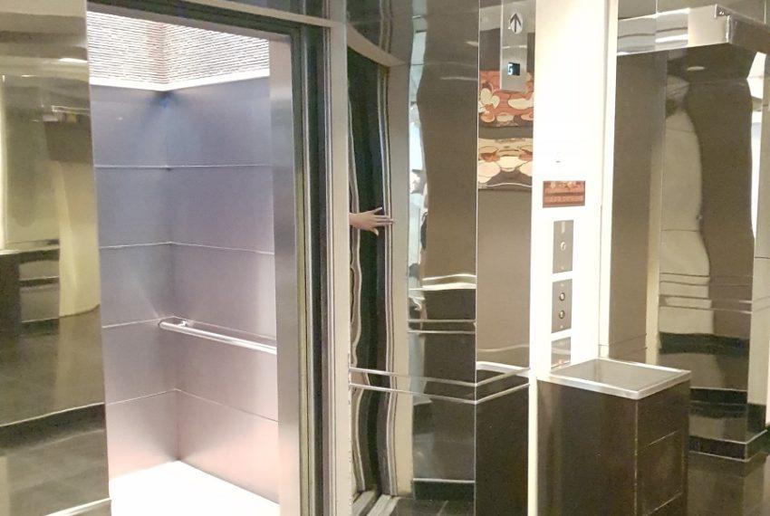 Grand Parkview Asoke - elevator