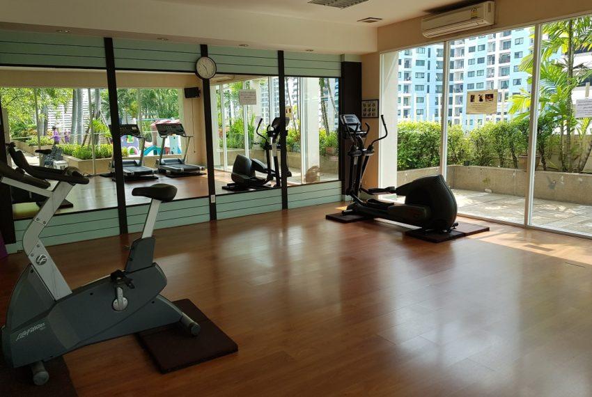 Grand Parkview Asoke - gym