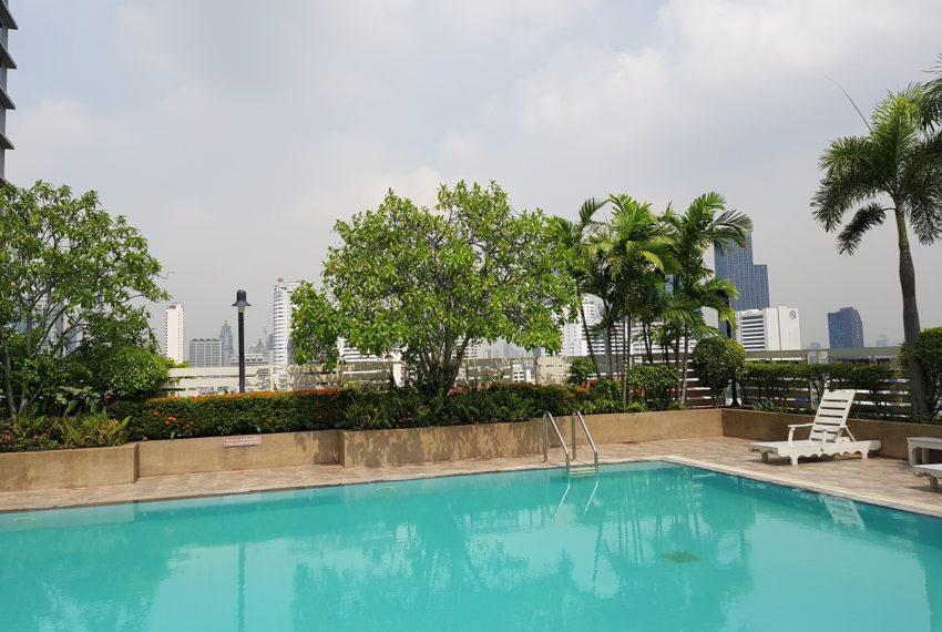 Grand Parkview Asoke - pool garden