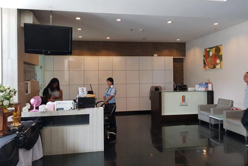 Grand Parkview Asoke - receiption desk