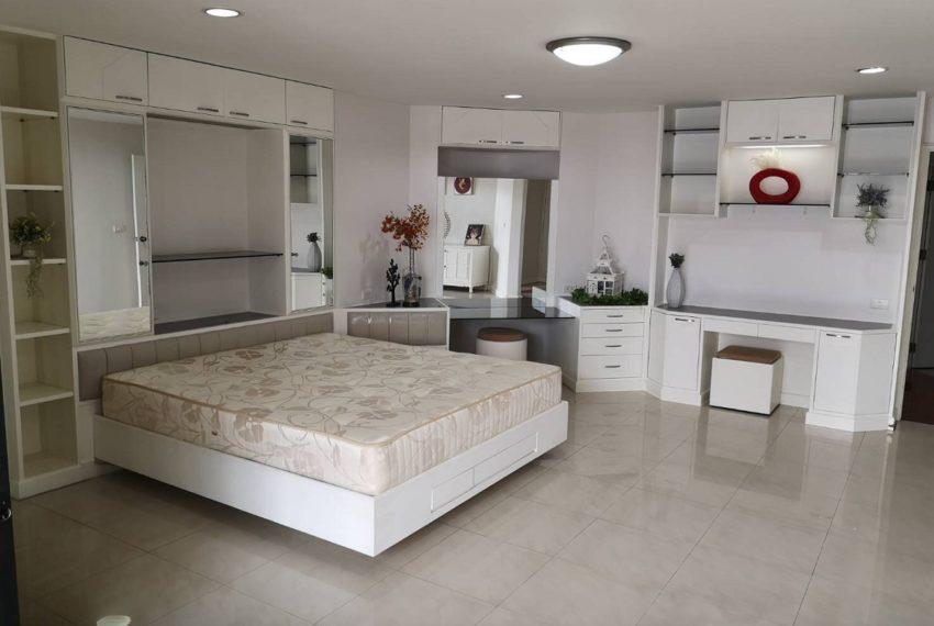 Grand Ville SKV.19 master bedroom