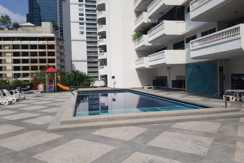 Grande Ville House 2 Condominium Sukhumvit 19 - pool area