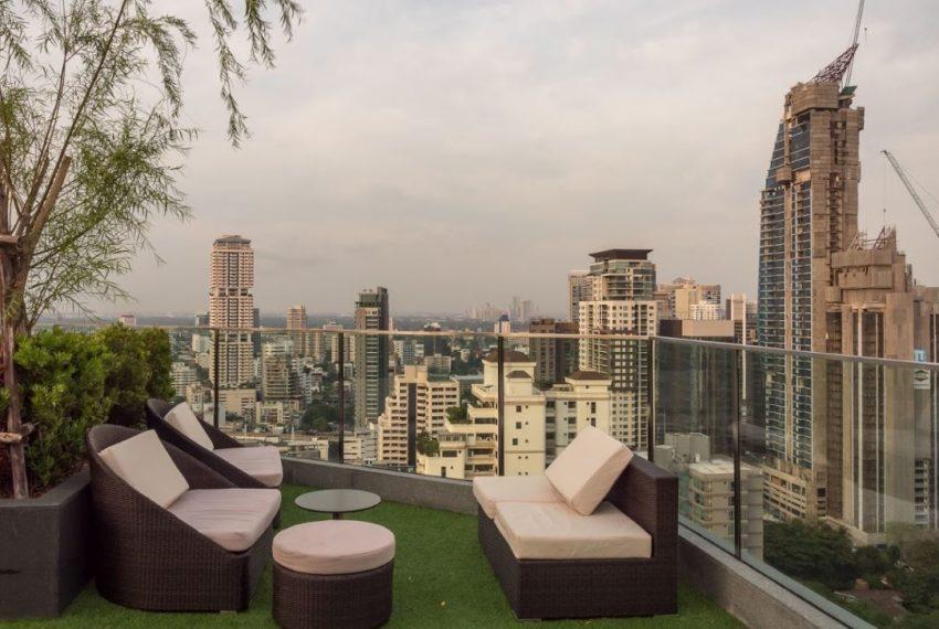 H Sukhumvit 43 condo - rooftop garden