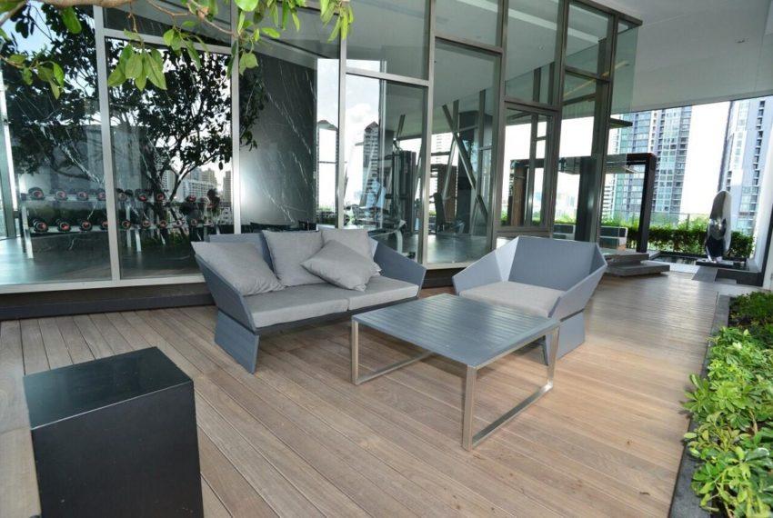 HQ Thonglor by Sansiri condominium - garden