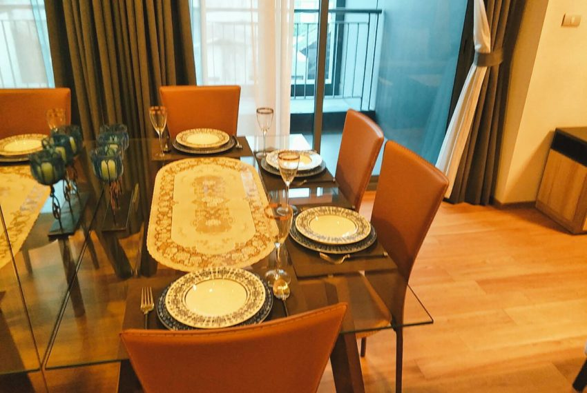 HYDE-SALES-Dining table
