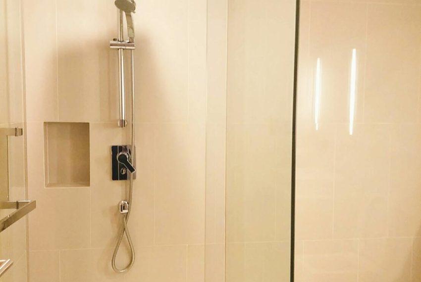 HYDE-SALES-bath room2