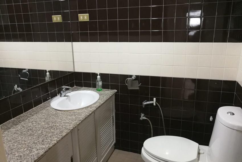 Heritage_2b2b_bathroom2