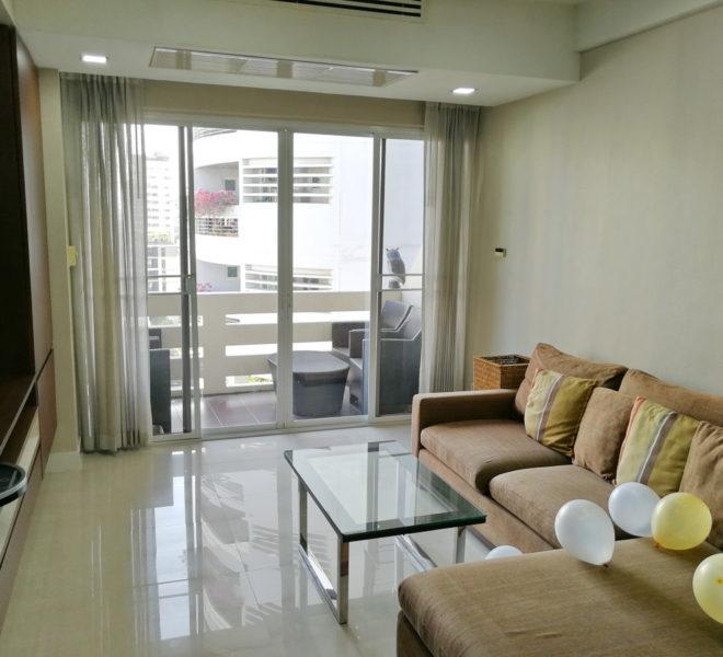 Large Sukhumvit Apartment For Rent Near Nana BTS - 2 bedroom - low floor - The Heritage Condominium