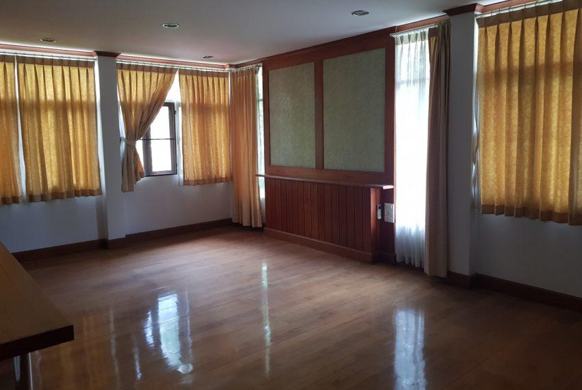 House in Sukhumvit 14 for rent - bedroom1