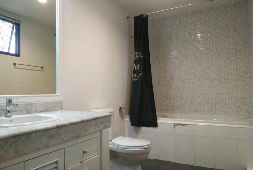 HouseSK36_Bathroom1_Rent