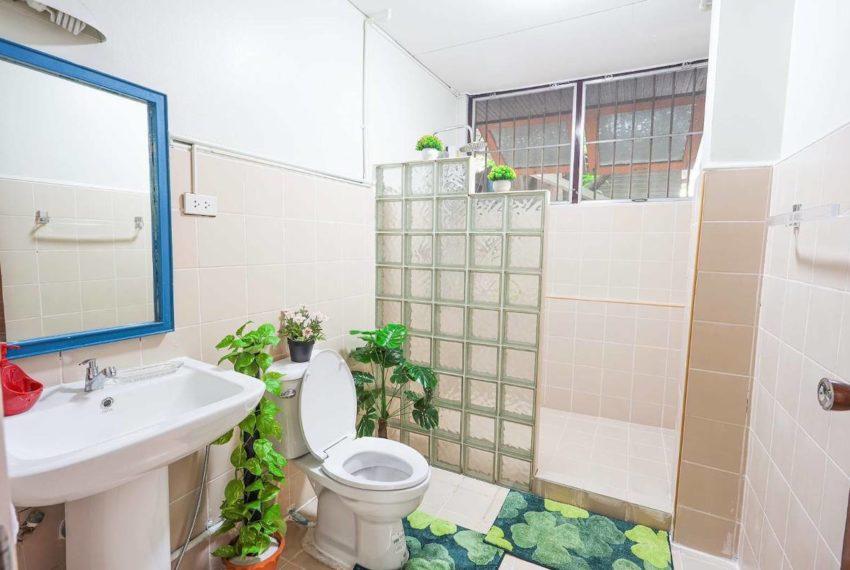 HouseSK38_Bathroom2_Rent