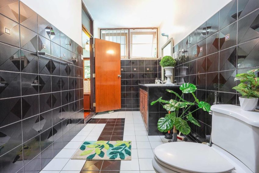 HouseSK38_Bathroom_Rent