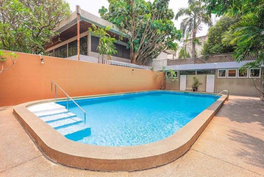 HouseSK38_Swimmingpool2_Rent