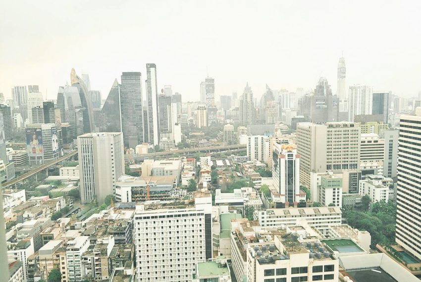 Hyde-Sukhumvit-11-rent-2b2b-top-floor-amazing-view