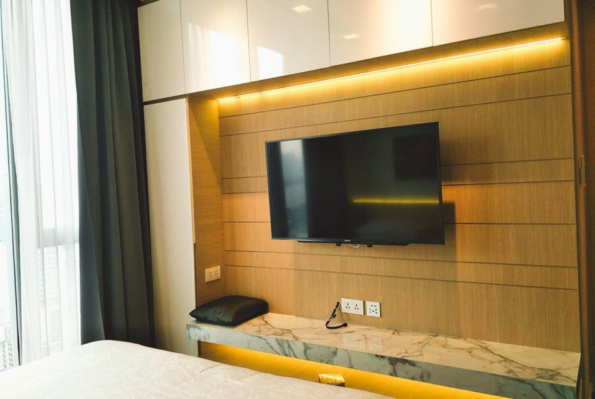 Hyde-Sukhumvit-11-rent-2b2b-top-floor-bedroom