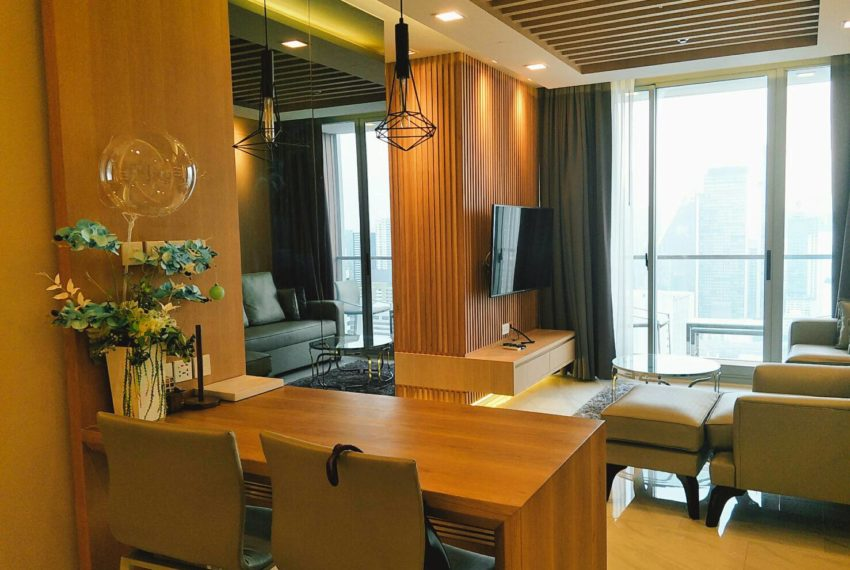 Hyde-Sukhumvit-11-rent-2b2b-top-floor-flat-tv
