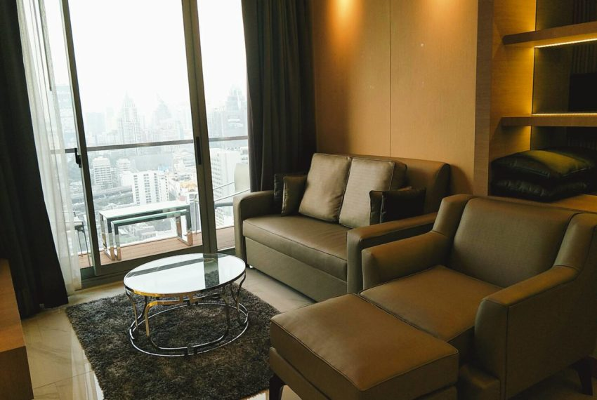 Hyde-Sukhumvit-11-rent-2b2b-top-floor-living