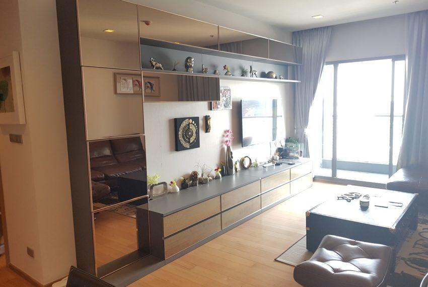 Hyde Sukhumvit 13 - 2 bedroom sale high floor - living room