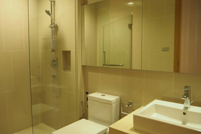 Hyde Sukhumvit 13 rental - 3 bedroom - low floor - bathroom-1