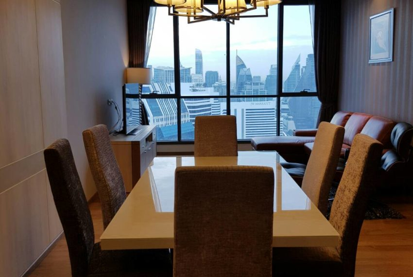 Hyde Sukhumvit 13 rental - 3 bedroom - low floor - dinning table
