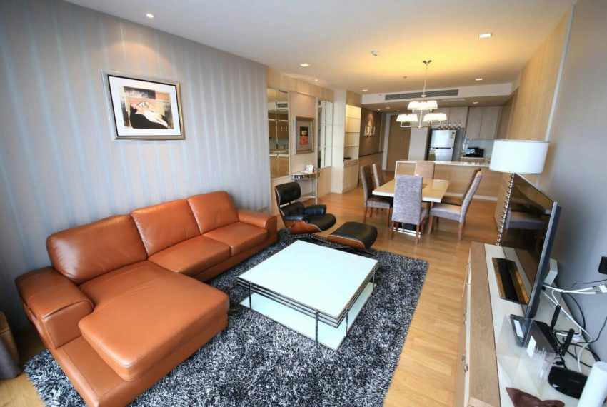Hyde Sukhumvit 13 rental - 3 bedroom - low floor - livingroom-4