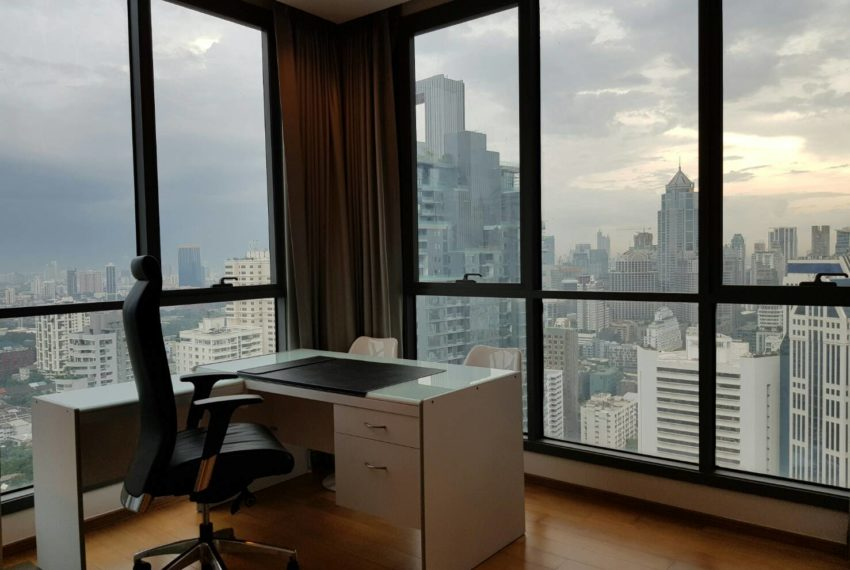 Hyde Sukhumvit 13 rental - 3 bedroom - low floor - workingroom-1