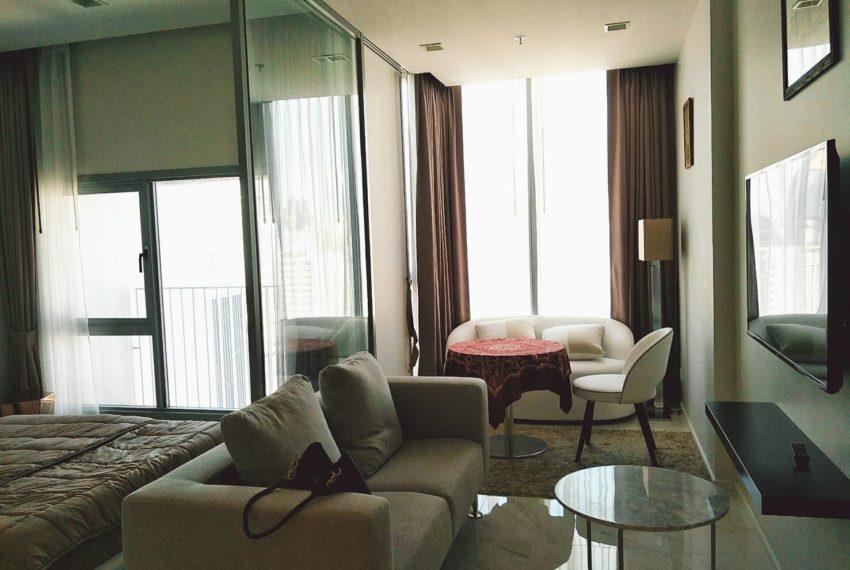 Hyde-Sukhumvit11-1-bedroom-rent-living