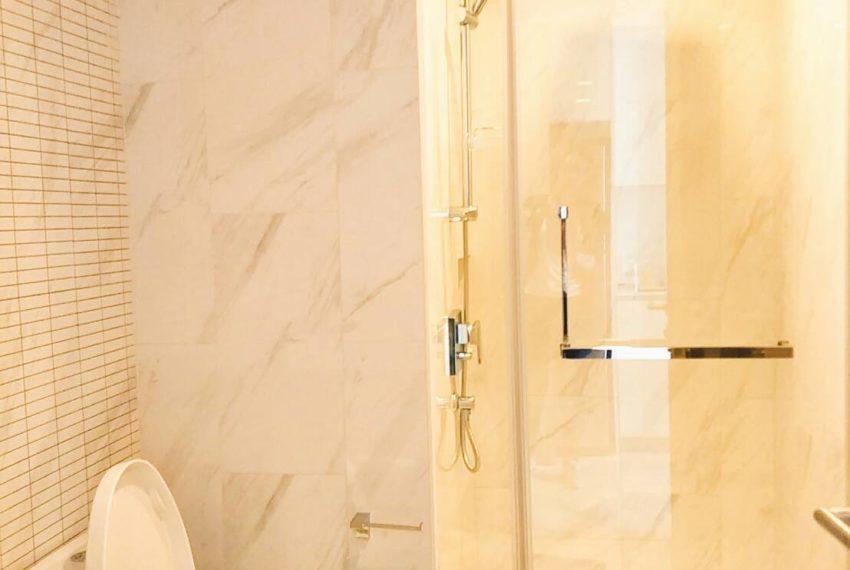 Hyde-Sukhumvit11-1-bedroom-rent-toilet