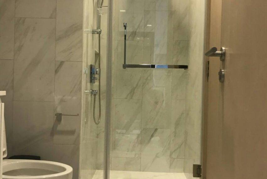 Hyde-Sukhumvit11-rent-1b1b-high-floor-toilet