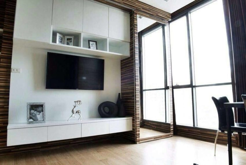 Hyde-Sukhumvit13-1bedroom-sale-living-room