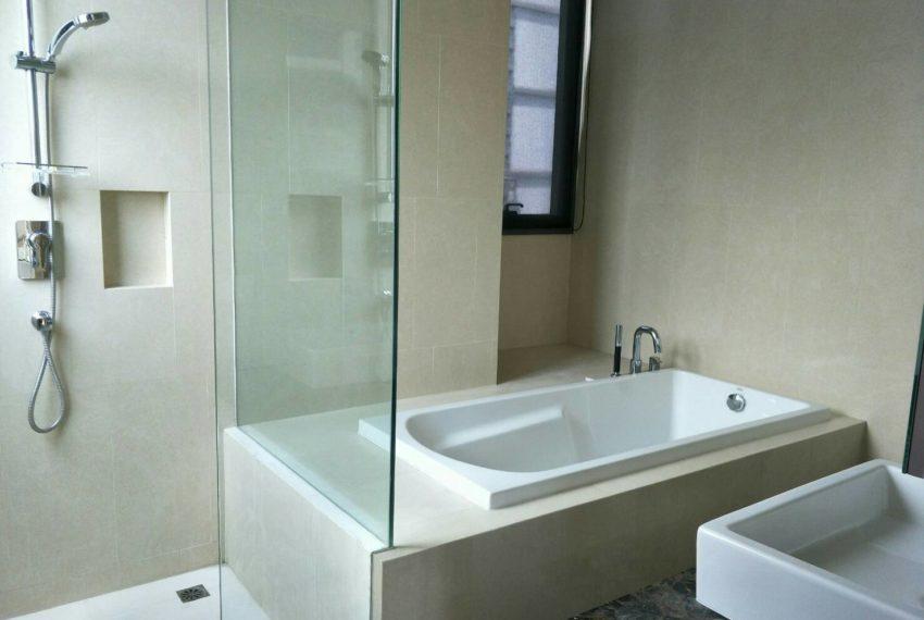 Hyde-Sukhumvit13-2bedroom-Sale-bathroom