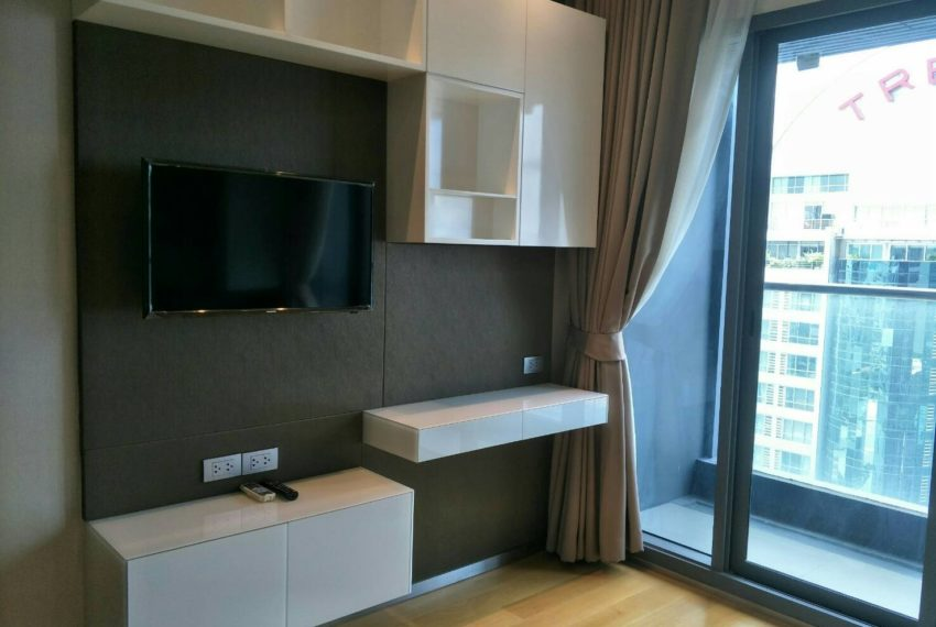 Hyde-Sukhumvit13-2bedroom-Sale-flat-TV