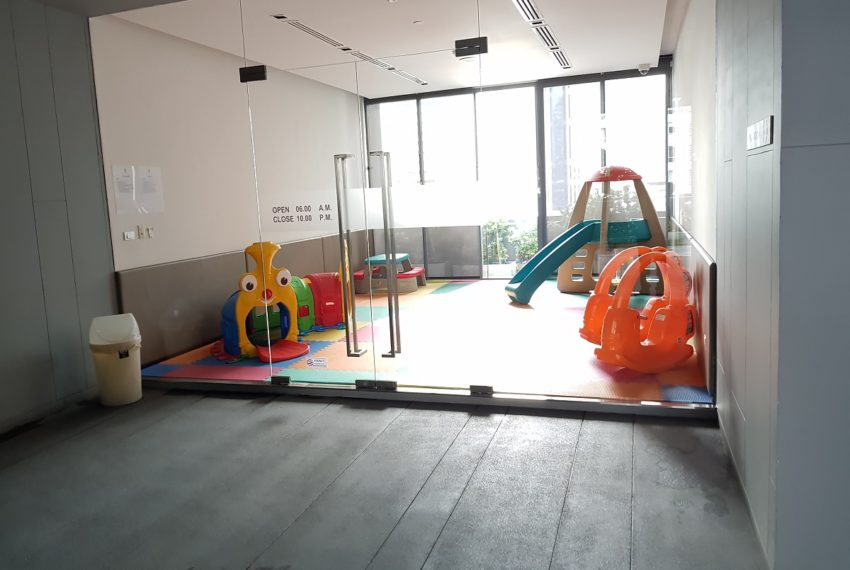 Hyde-Sukhumvit13-kids-playgrounf