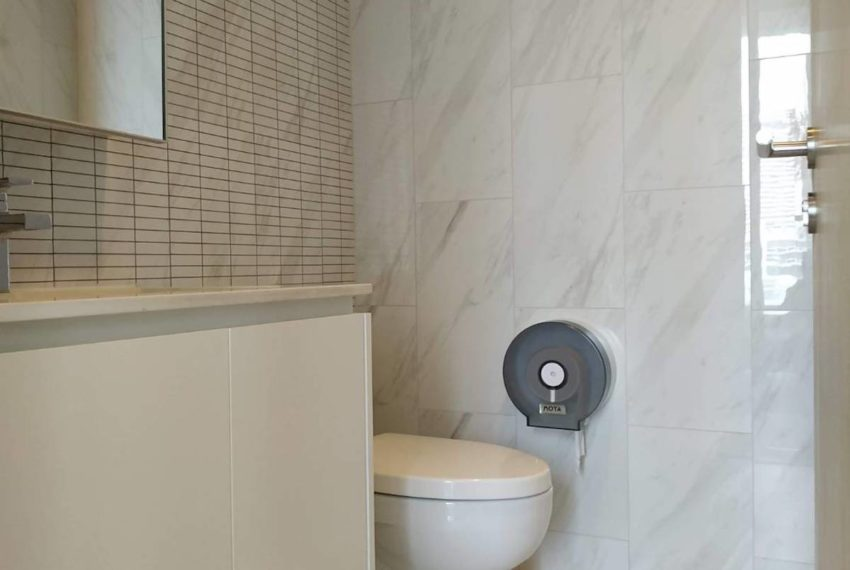 Hyde11_Bathroom3_Rent