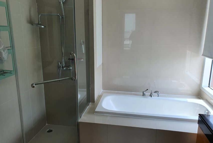 Ibathroom