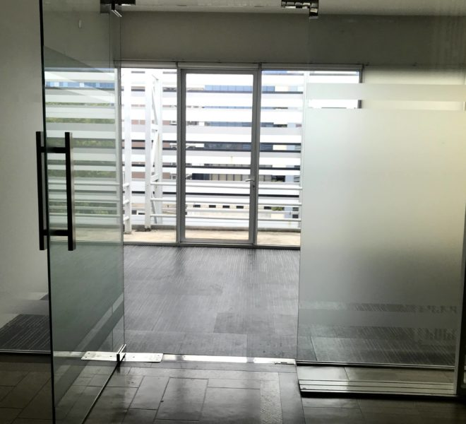 Commercial space for rent facing Ekkamai Road - 100 m from BTS