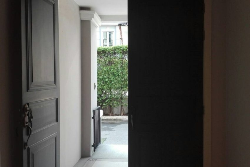 INHOME LUXURY RESIDENCES-entry gate-rent