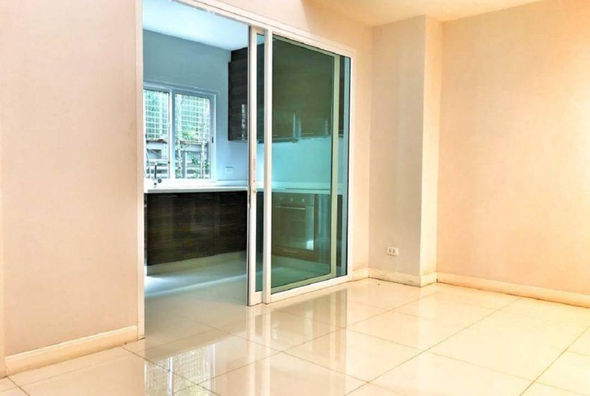 INHOME LUXURY RESIDENCES-kitchen-rent