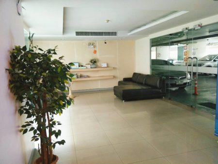 IVY-Ratchada-lobby