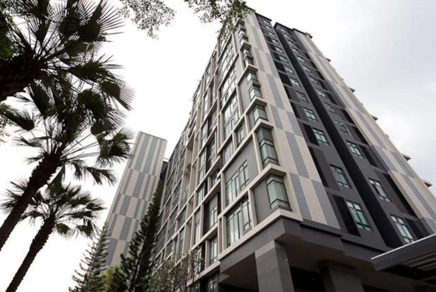 Ideo Blucove Sukhumvit building 01