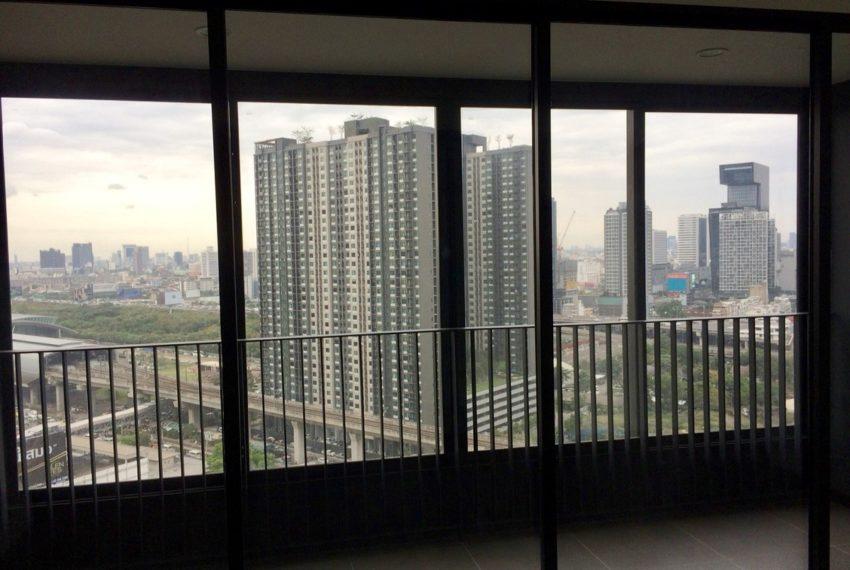 Ideo Mobi Asoke 2 bed 2 bath-balcony