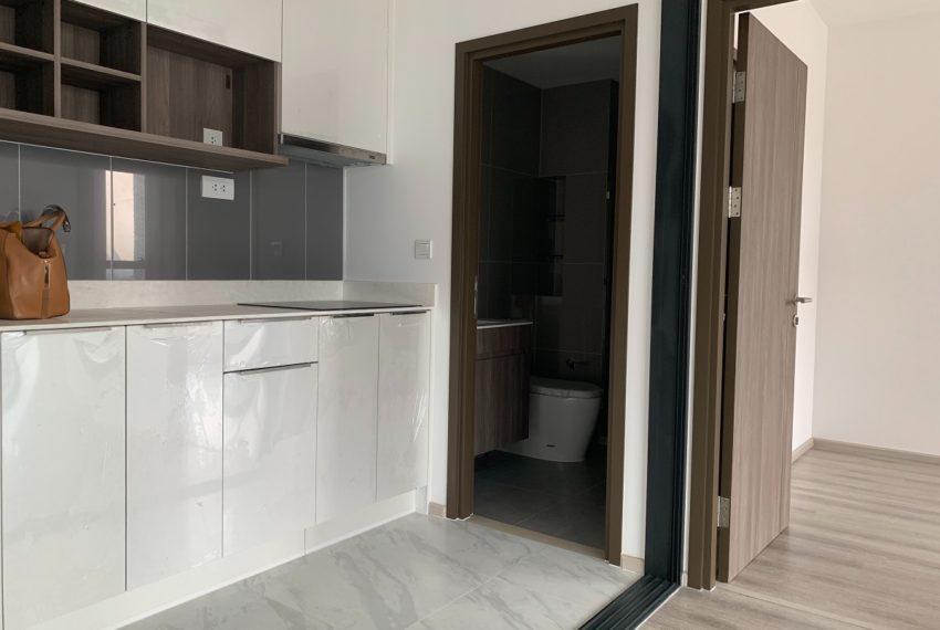 Ideo Mobi Asoke-2 bed 2 bath-kitchenroom