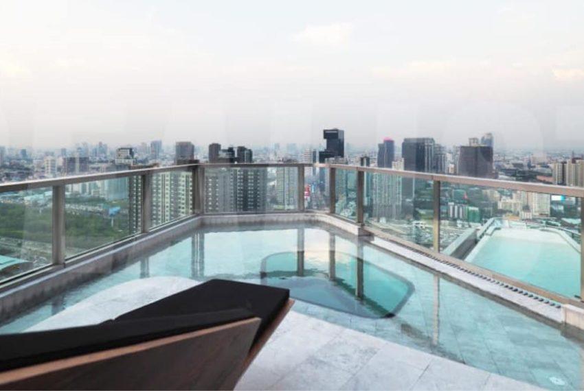 Ideo Mobi Asoke Condominium - pools